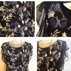 Vince Camuto Tops - 💝Vince CAMUTO Top Blue Sapphire Flutter Sleeve